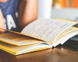 ネイルスクールの授業内容と授業時間