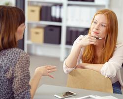 仕事場での信頼関係構築に重要な「聞き上手」に必要なこと