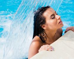 軟水が内側から綺麗になれる美容液だった!セレブの夢中のピュアウォーターとは?