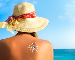 お散歩行くのにも強い日焼け止め塗ってませんか?日焼け止めはシーン別で変えるべき!