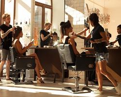 ネイリスト志望だからこそ、美容師免許を取得するという選択があった!