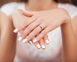 綺麗な指と爪になるための血流改善!手は、年齢を表す鏡