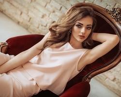 """女性ホルモンは天然の美容液!女子なら知るべき""""女性ホルモン""""と""""美""""の深い関係"""
