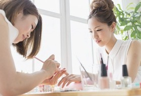 【NAIL MAISON 横浜店】横浜地区人気店!研修充実が代名詞のネイルサロン★10~40代まで幅広い層が活躍中