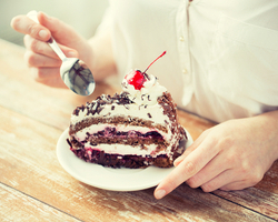 食べることでストレス解消し始めたら要注意?!