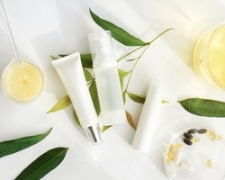 冬の保湿対策に!化粧水の効果を最大限に高めるためのポイントは「ブースター」