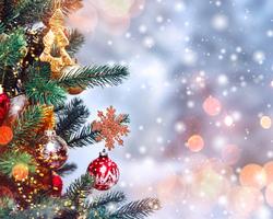 季節を着まわす!クリスマス~お正月のネイルデザインをアドバイス