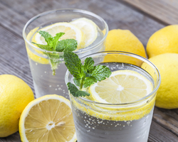 炭酸水で美肌を手にいれる!飲むだけじゃない炭酸水の利用方法とは