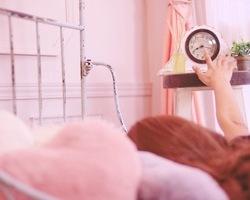 お肌のゴールデンタイムは本当にある?美肌と睡眠の関係