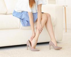 かっさで足のむくみを解消!効果的なかっさの使い方とは